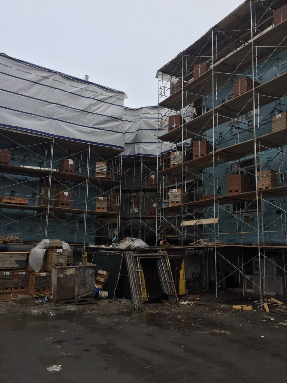 1400 S Halsted St scaffold 1