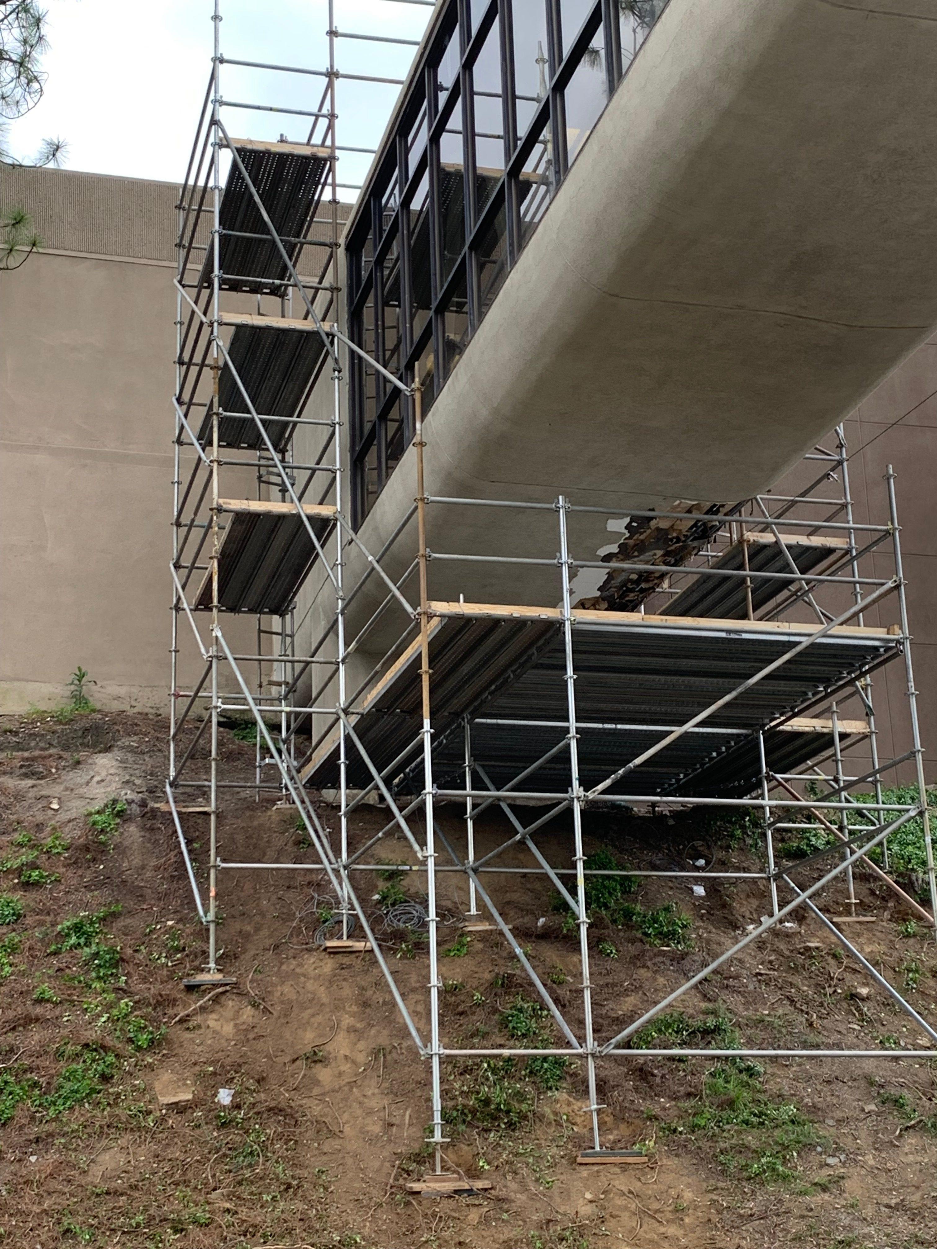 Brookwood Hospital completed scaffold.
